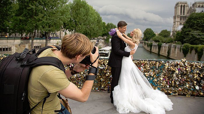 Picking the Photographer For Your Wedding