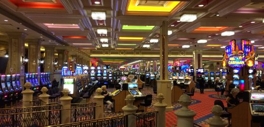 Learn the major benefits and advantages of playing at virtual casinos.